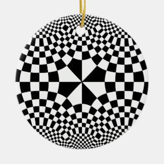 渦巻くチェッカーの目の錯覚の黒及び白 セラミックオーナメント