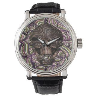 渦巻形のなスカル 腕時計