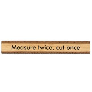 測定は二度一度切れました メープル 定規