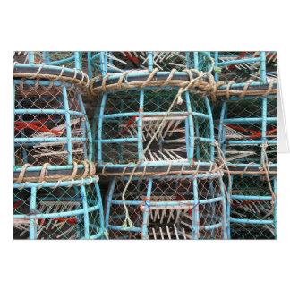 港で積み重なるエビ取りかご カード