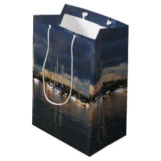 港のヨットのバルボアニューポートの航行のギフトバッグ ミディアムペーパーバッグ
