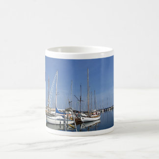 港の航行ボート コーヒーマグカップ