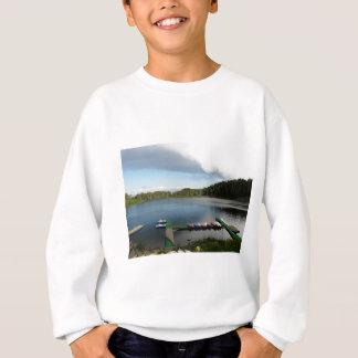 湖のカヌー スウェットシャツ