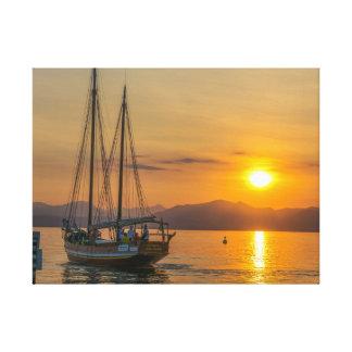 湖のキャンバスのプリントの日没の巡航 キャンバスプリント