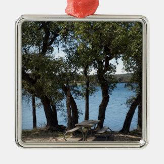 湖のピクニック メタルオーナメント