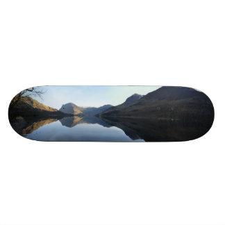 湖の景色のスケートボードのデッキ スケートボードデッキ