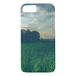 湖の眺めのAppleのiPhone 7、やっとそこに電話箱 iPhone 8/7ケース