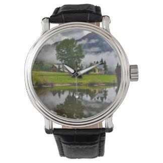 湖の霧の少し家 腕時計