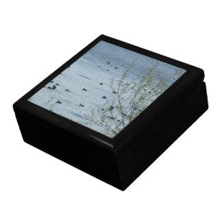 湖の鳥の記念品箱 スクエアギフトボックス大