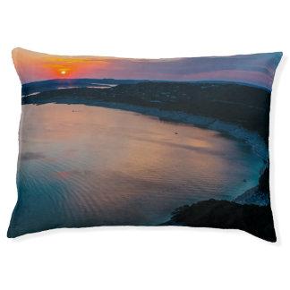 湖のTravisの日没 ペットベッド