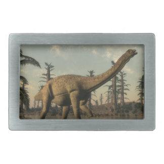 湖のUberabatitanの恐竜- 3Dは描写します 長方形ベルトバックル