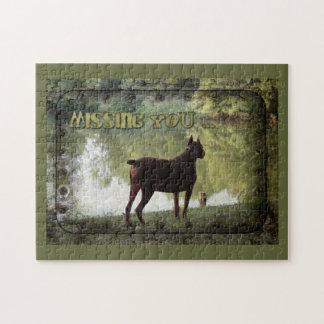 -湖を見落としているドーベルマン犬を恋しく思います ジグソーパズル