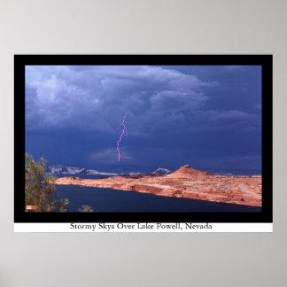 湖パウエル、ネバダ上の嵐の空 ポスター