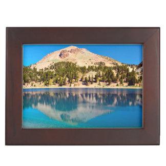 湖ヘレン、火山ラッセンの反射 ジュエリーボックス