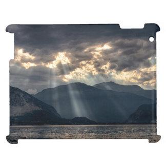 湖上の太陽光線 iPadケース
