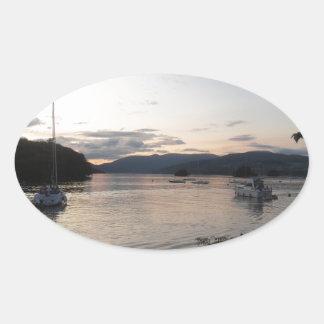 湖地区のWindermere湖 楕円形シール