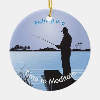 湖畔の円の漁師のシルエット セラミックオーナメント
