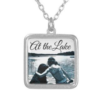 湖 シルバープレートネックレス