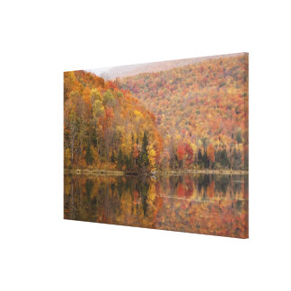 湖、ヴァーモント、米国2との秋の景色 キャンバスプリント