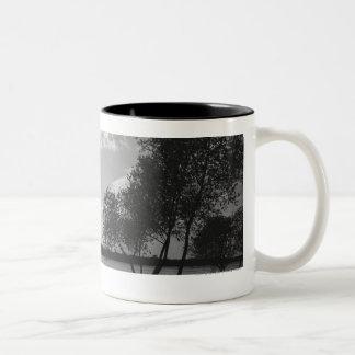 湖B&Wによる木 ツートーンマグカップ