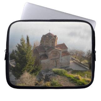 湖OhridのSt. Jovan教会 ラップトップスリーブ