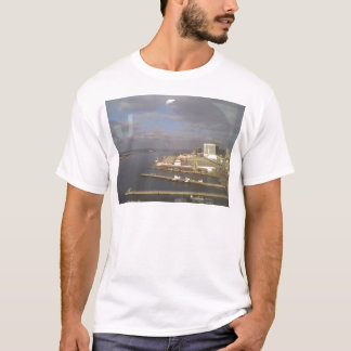 湾のCoronadoの島の眺め Tシャツ