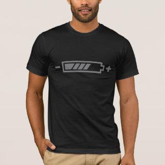 満たされる-電池の太陽のな雑種の電気 Tシャツ