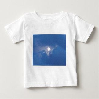 満月の写真が付いているベビーの衣類 ベビーTシャツ