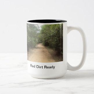 準備ができた赤い土 ツートーンマグカップ