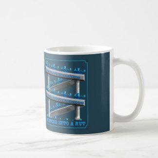 溝にとどまること コーヒーマグカップ