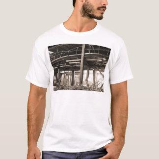 溶かされた発電所 Tシャツ