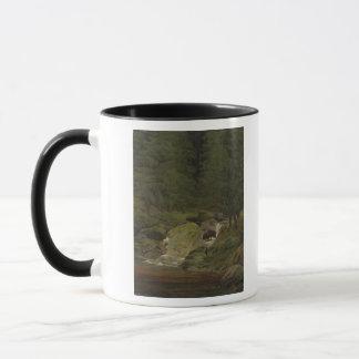 滝による常緑樹 マグカップ