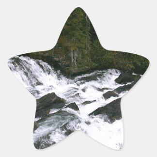 滝の前の水 星シール