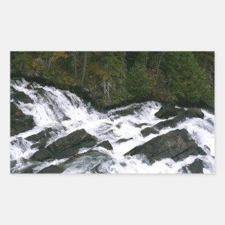 滝の前の水 長方形シール