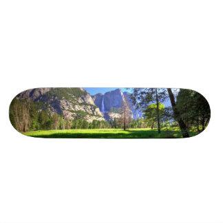 滝の反射 スケートボード