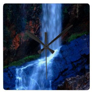 滝の避難所 スクエア壁時計