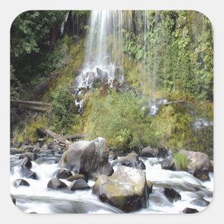 滝のMossbraeの滝の流れ スクエアシール
