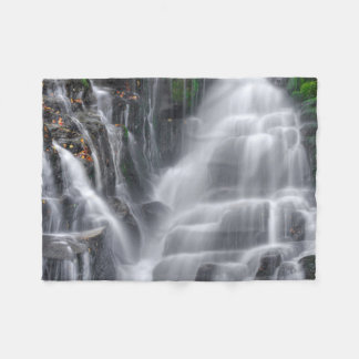 滝 フリースブランケット