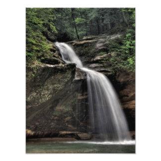 滝、老人の洞窟、Hockingの丘、オハイオ州を下げて下さい フォトプリント