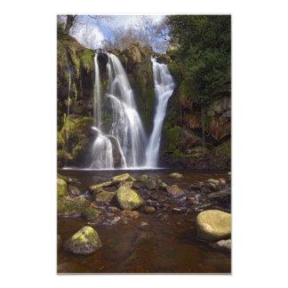 滝-荒廃の谷、ヨークシャの谷 フォトプリント
