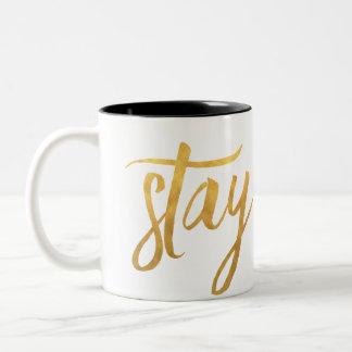 滞在の金ゴールドのコーヒー・マグ ツートーンマグカップ
