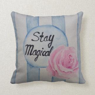 滞在の魔法の枕 クッション