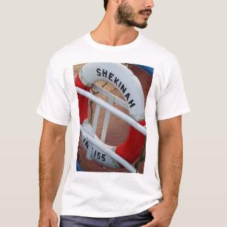 漁船の救命ブイ Tシャツ