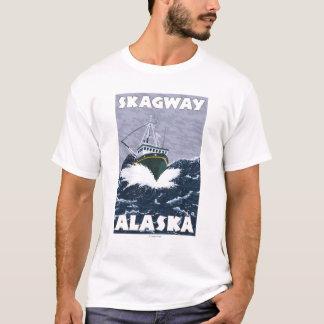 漁船場面- Skagway、アラスカ Tシャツ