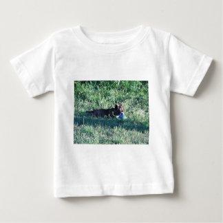 演劇の犬 ベビーTシャツ