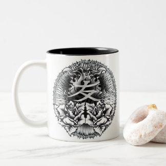 漢字の入れ墨のマグ ツートーンマグカップ