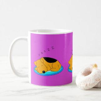 漫画のいびきをかくAiredaleテリア犬のマグ コーヒーマグカップ