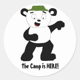 漫画のキャンプのパンダ ラウンドシール