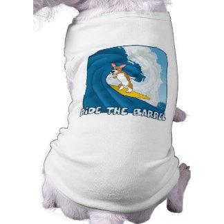 漫画のサーフィンのコーギー ペット服