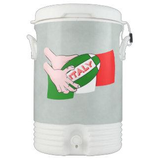 漫画のラグビーのボールが付いているイタリアの旗 ドリンククーラー